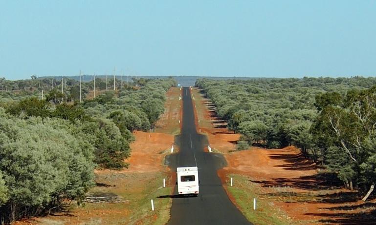 Discover...<br/>Alice Springs