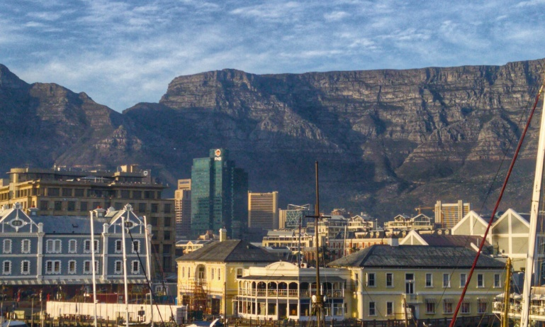 Discover...<br/>Cape Town