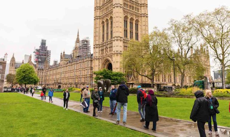 parliamentary tours guide